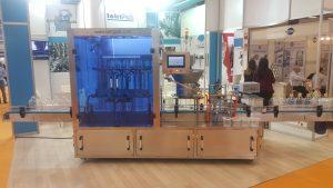 Dolum ve paketleme makinaları na örnek olarak şişe dolum makinası.